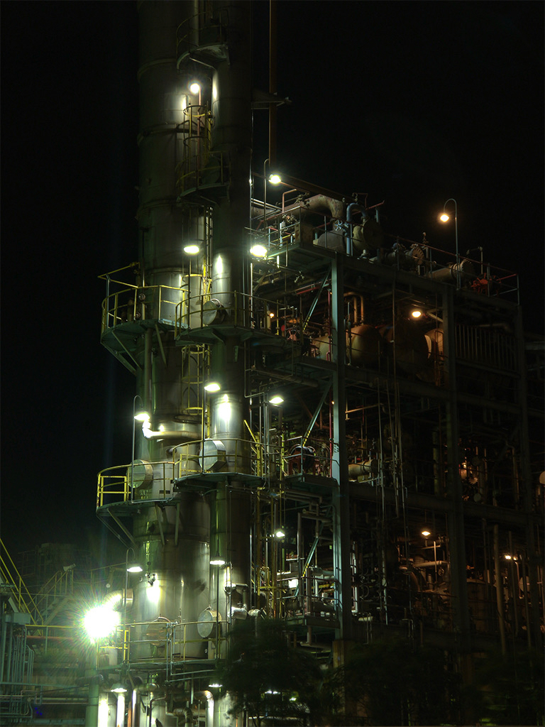 Factory by night - Portrait
